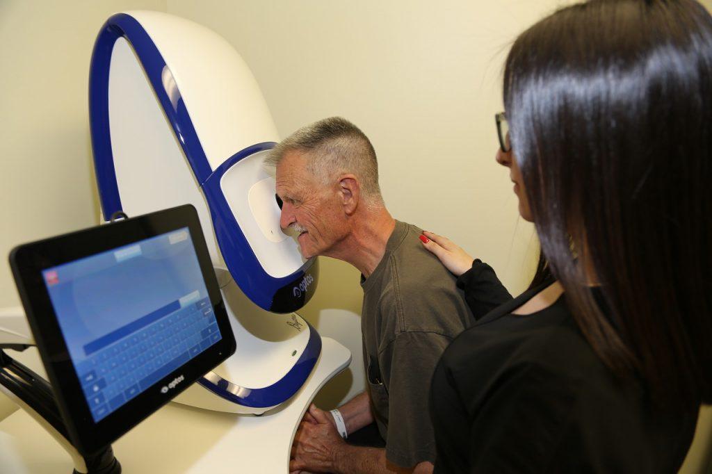 Patients Optomap Retinal Exam Sunrise
