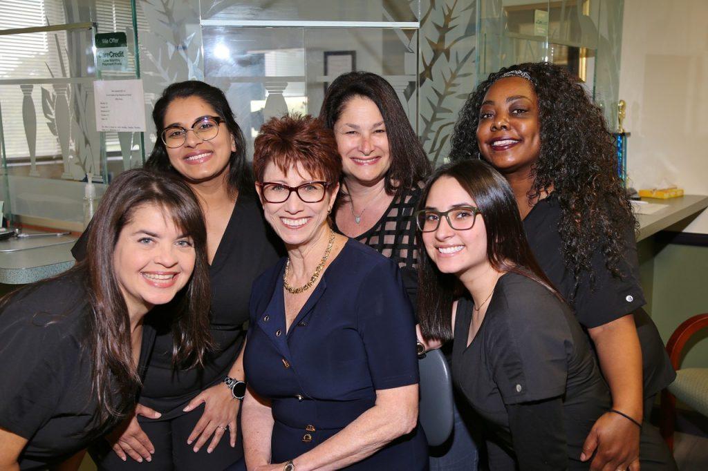 Dr Elise Leonard Team